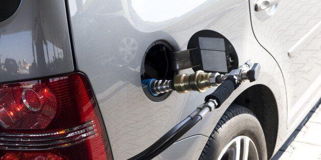 Φυσικό αέριο: Η επένδυση που φιλοδοξεί να αλλάξει τον τρόπο που κινούνται τα οχήματα στην