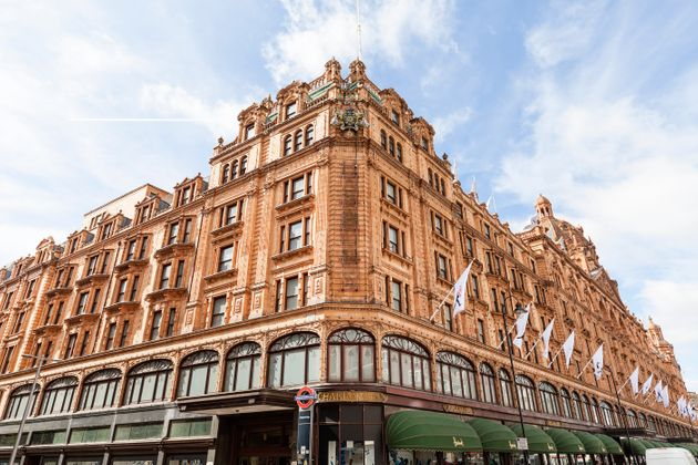 Harrods Security Guards Working Unpaid Overtime On Top Of 12-Hour Shifts Vote To Strike