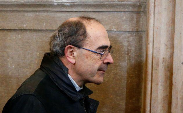 Le cardinal Philippe Barbarin, ici arrivant au palais de justice pour assister à son procès...