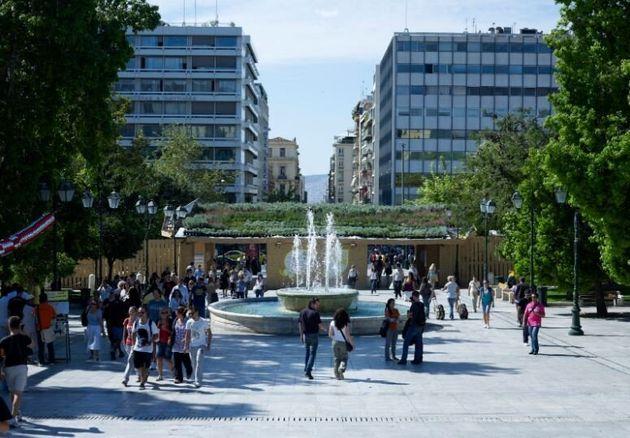 Άποψη του Eco Museum-GDF 2010. Φυτεμένο δώμα σε επιμέλεια Έλλης Παγκάλου. Τα φυτά μοιράστηκαν όλα στους πολίτες της Αθήνας από τους atenistas μετά το πέρας της διοργάνωσης.