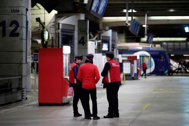 Jusqu'à 1500 euros primes pour récompenser les non grévistes de la SNCF (photo d'illustration...