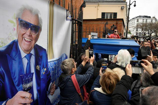 Brigitte Macron, Alain Juppé et Anny Duperey pour un dernier hommage à