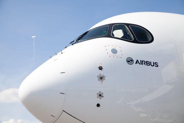 Un Airbus A350 à l'aéroport de Berlin en Allemagne le 3 juin