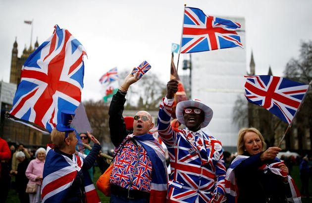 Brexiters celebram saída do Reino Unido da União Europeia nesta sexta-feira