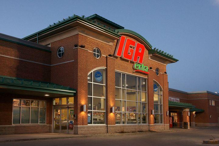 IGA ne vendra plus de sacs de plastique à usage unique.