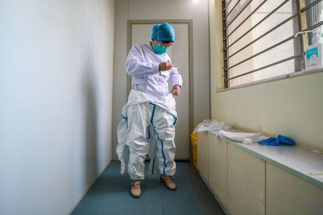 La coppia di cinesi con il coronavirus: