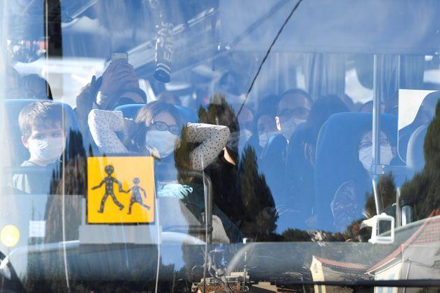 Les 180 personnes rapatriées de Wuhan (Chine) en France vendredi ont passé leur première nuit de confinement...