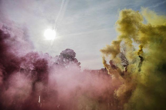 Image d'illustration - De la fumée jaune lors d'une manifestation le 11 janvier