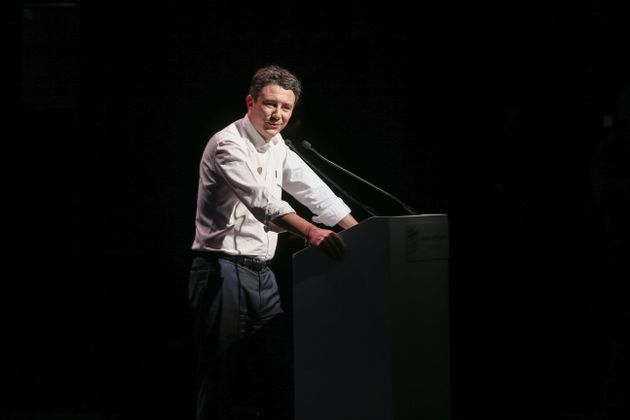 Griveaux (ici en meeting le 27 janvier) promet jusqu'à 100.000 euros aux Parisiens pour acheter...