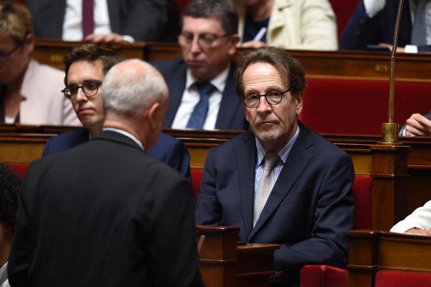 Gilles Le Gendre, le président du groupe LREM à l'Assemblée nationale, devant les députés de son groupe...