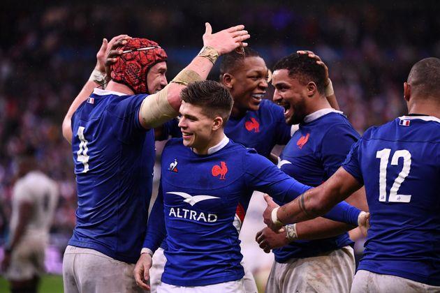 Le XV de France crée l'exploit en battant l'Angleterre pour la première de