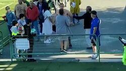 La violencia de este padre en el partido de fútbol de su hijo está indignando en las
