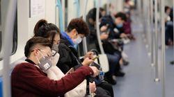 Plus de Canadiens veulent fuir Wuhan et l'épicentre du