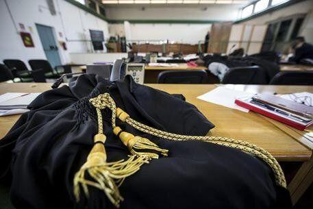 Prescrizione, gli avvocati lottano per il diritto dei cittadini a non essere ostaggi a vita dell'inefficienza...