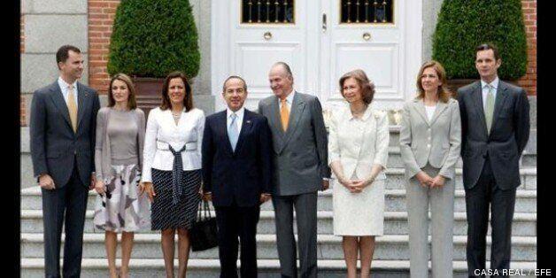 La familia real junto a Felipe Calderón y su