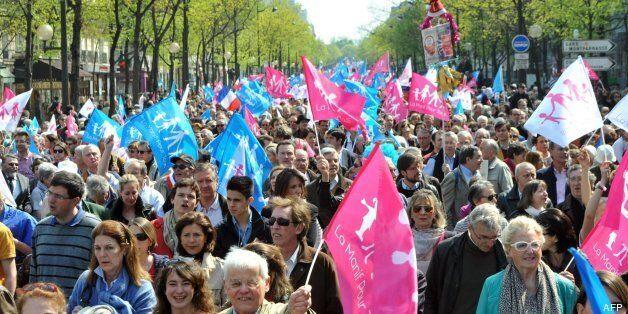 Decenas de miles de personas vuelven a manifestarse en París contra el matrimonio