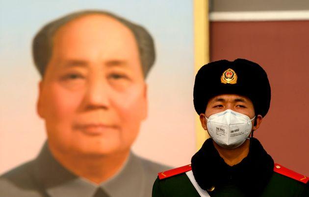 Η ηγεσία της Κίνας παραδέχεται για πρώτη φορά «παραλείψεις και ανεπάρκειες» στην αντιμετώπιση του
