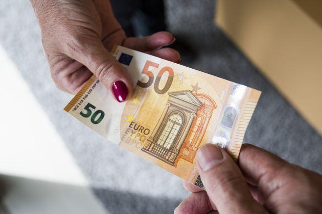 Un billete de 50 euros, que quién lo