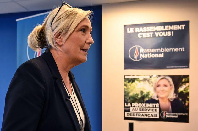 Marine Le Pen au siège du Rassemblement national à Nanterre le 16
