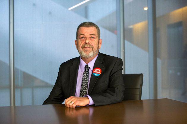 オンタリオ州の小学校教師連盟の会長であるサム・ハモンドは、...