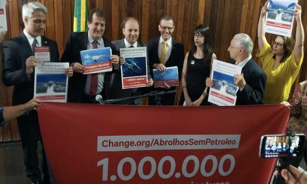 Petição em defesa de Abrolhos reuniu 1 milhão de assinaturas contra leilão de