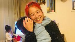 """高校生で単身上京、2人の子育て、義母との距離感。彼女が週に一度だけ""""家族ごはん""""を食べる理由"""