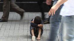 La pobreza amenaza a 700.000 familias con niños encabezadas por los