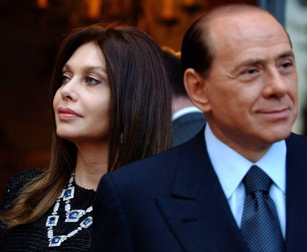 Silvio Berlusconi e Veronica Lario in una foto del