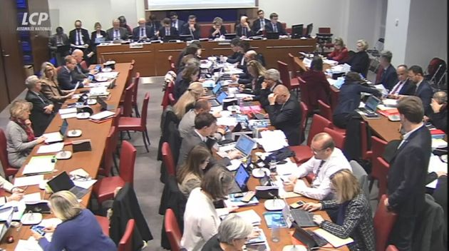Réforme des retraites: l'examen des amendements en commission spéciale à l'Assemblée...