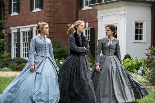 Florence Pugh, Saoirse Ronan et Emma Watson (de gauche à droite)dans une scène de...