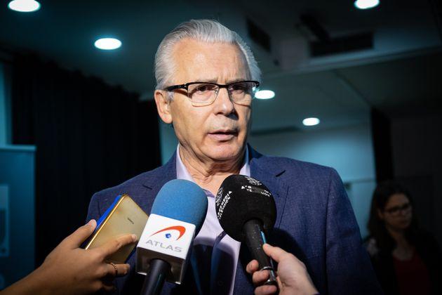Baltasar Garzón, el pasado abril, durante una reunión con colectivos de derechos humanos...