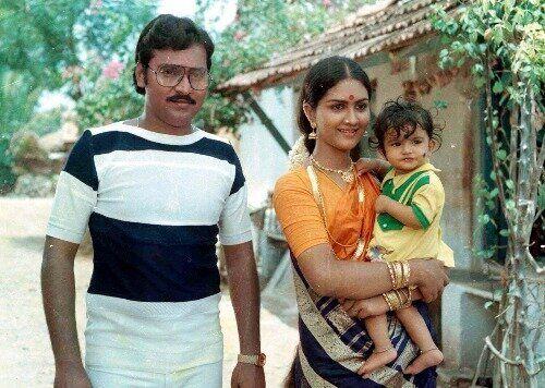 K. Bhagyaraj and Urvashi in 'Mundhanai Mudichu'