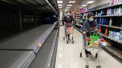 Κορονοϊός: Οι πολίτες στο Χονγκ Κονγκ στοκάρουν ρύζι και χαρτί