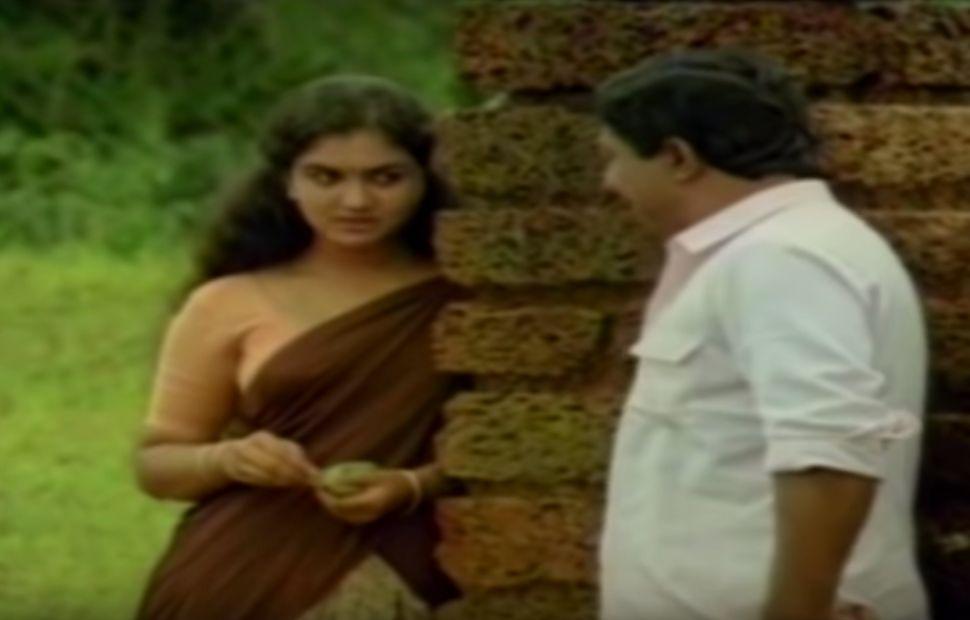 Urvashi and Sreenivasan in 'Ponmuttayidunna Tharavu' (1988)