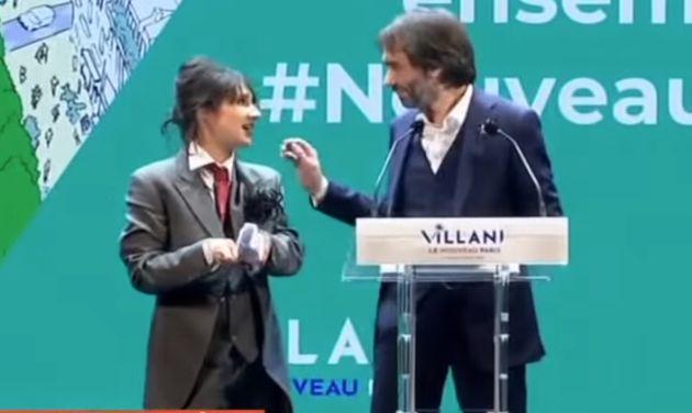 Lors du meeting de Cédric Villani, le 5 février, la YouTubeuse Marie s'infiltre est parvenue à grimper...