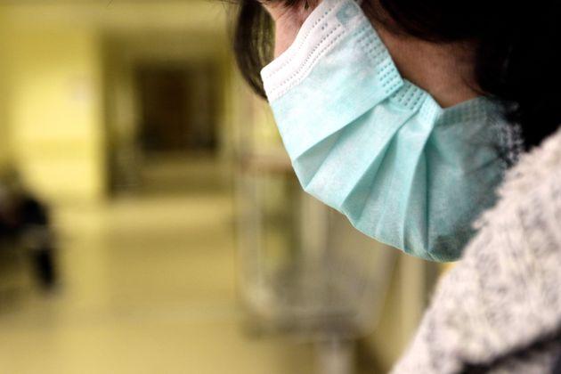 Καταγγελία ΠΟΕΔΗΝ για αισχροκέρδεια με τις ιατρικές μάσκες: 300% αύξηση