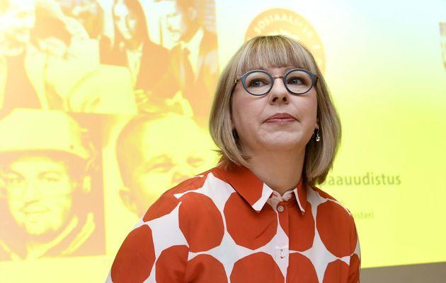 Aino-Kaisa Pekonen é responsável pelo ministério da Saúde e Questões