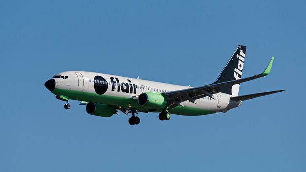 A Flair Airlines Boeing 737-800 approaches Vancouver International Airport on Sept. 30,
