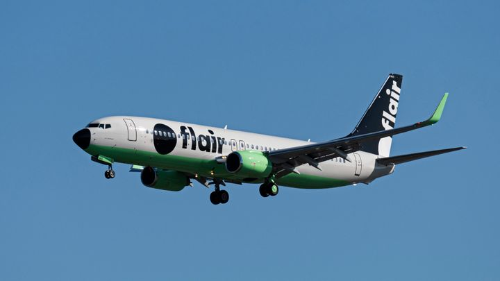 A Flair Airlines Boeing 737-800 approaches Vancouver International Airport on Sept. 30, 2019.