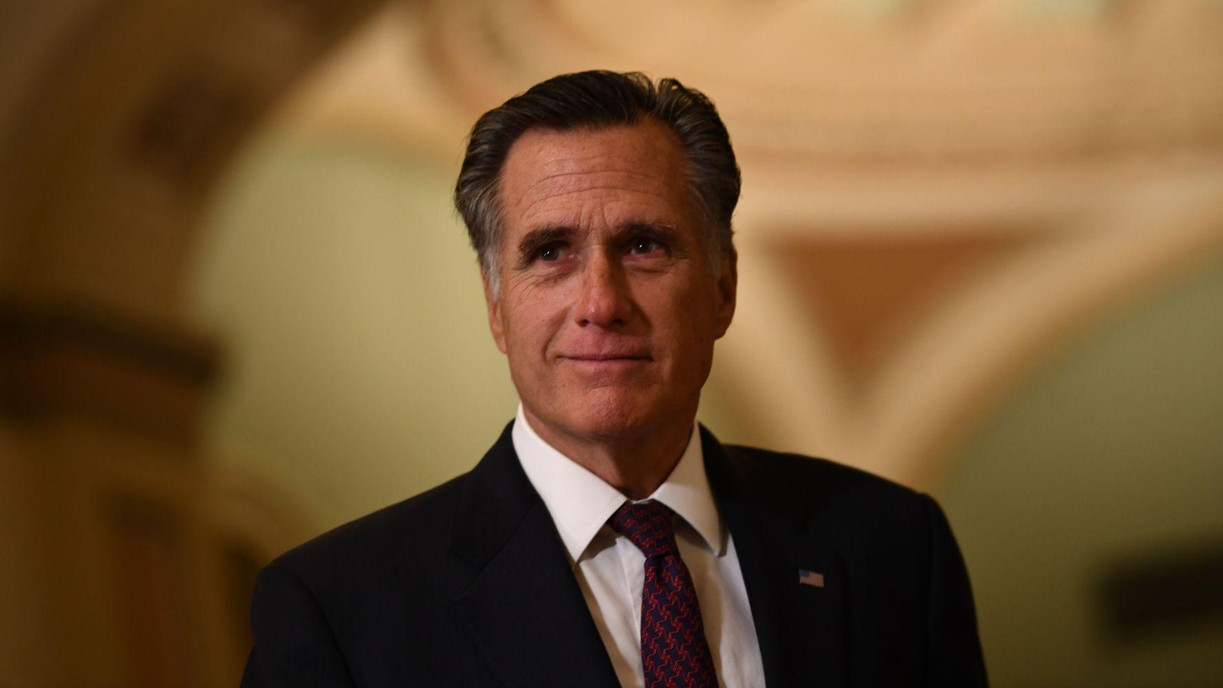 Mitt Romney Gets Standing Ovation At Democratic Presidential Debate