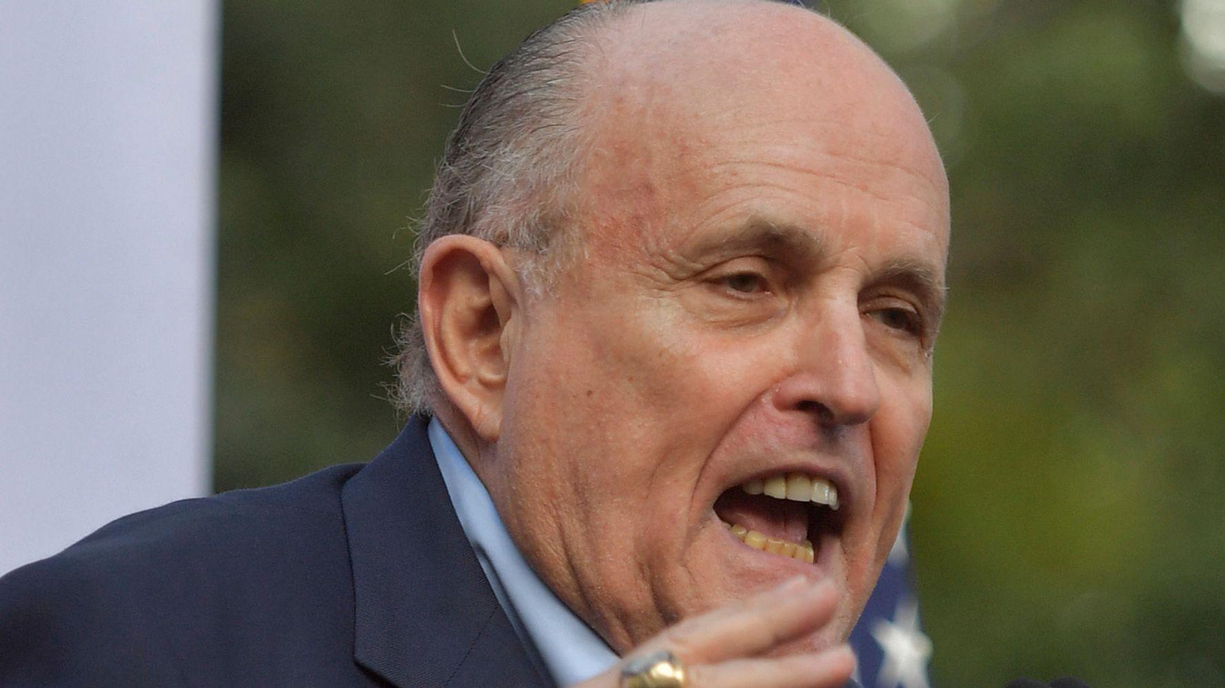 Westlake Legal Group 5e3e523e270000310338b8e2 Watchdog Group Calls For Criminal Probe Into Rudy Giuliani's Ukraine Role