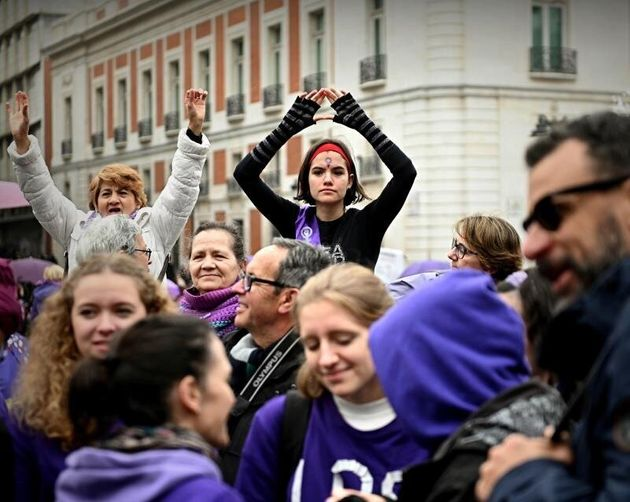 La cadena feminista de Madrid une a 7.000 mujeres a un mes del