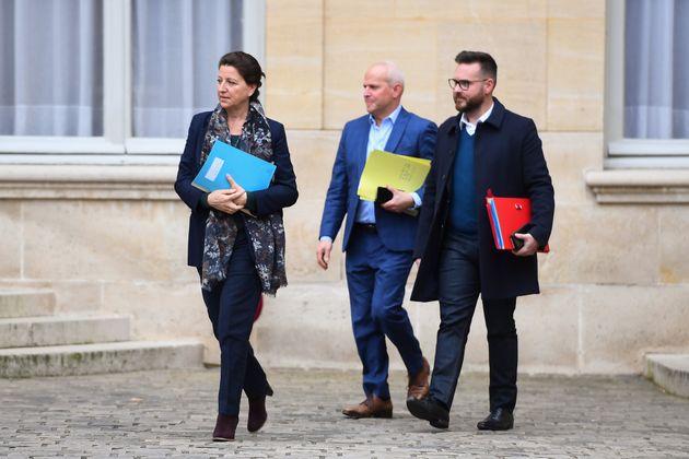 Avant une réunion interministérielle à Matignon, Agnès Buzyn avait annoncé que cinq nouveau ont été détectés...