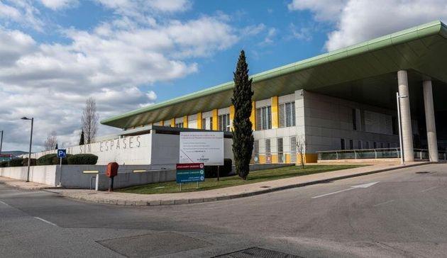 Vista exterior del Hospital de Son Espases, donde se encuentran ingresados, en aislamiento, cuatro miembros...