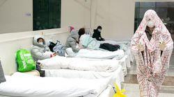 Τρόμος και παράνοια στη Γουχάν: Σέρνουν βίαια από τα σπίτια ασθενείς που δεν θέλουν να μπουν σε