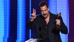 Esnobado pela Academia, Adam Sandler escracha Oscar em hilário discurso no Spirit
