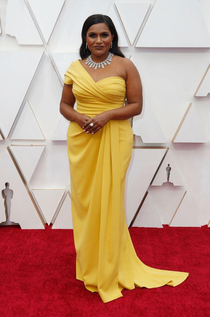Mindy Kaling on the Oscars red carpet on Sunday. (REUTERS/Eric Gaillard)