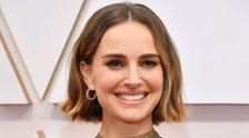 Natalie Portman Menyeret Oscar Dengan Cape Bordir Dengan Dilecehkan Sutradara
