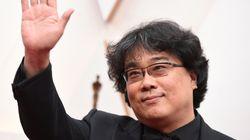 봉준호가 '기생충'으로 아카데미 각본상을 수상했다
