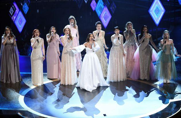 第92回アカデミー賞授賞式 ステージで「イントゥ・ジ・アンノウン」を歌う各国のエルサ役たち 2020年2月9日